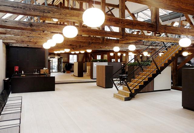 KØBENHAVN // Bestseller storrumskontor indrettet med fleksible sektioner